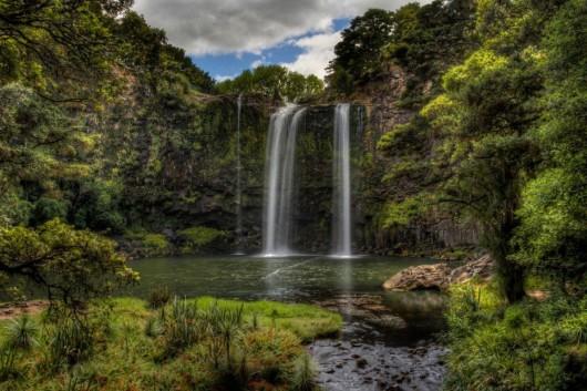 24. ファンガレイ滝(ニュージーランド)